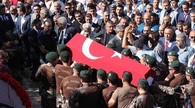 Şehit Polis Yaşar Polat Toprağa Verildi