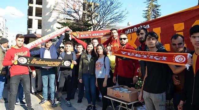 Kilis'te Galatasaraylı Taraftarlardan Örnek Davranış