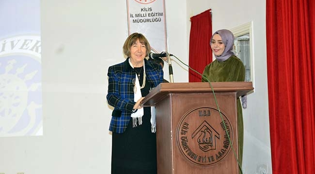 Prof. Binnur Yeşilyaprak Kilis'te Konferans Verdi