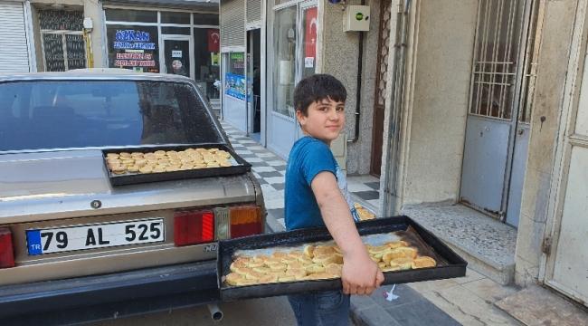 Kilis'te Fırıncı Çırakları Gerebiç Servisinde