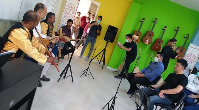 'Ufuklar Açan Müzik Sınıfı' Törenle Açıldı