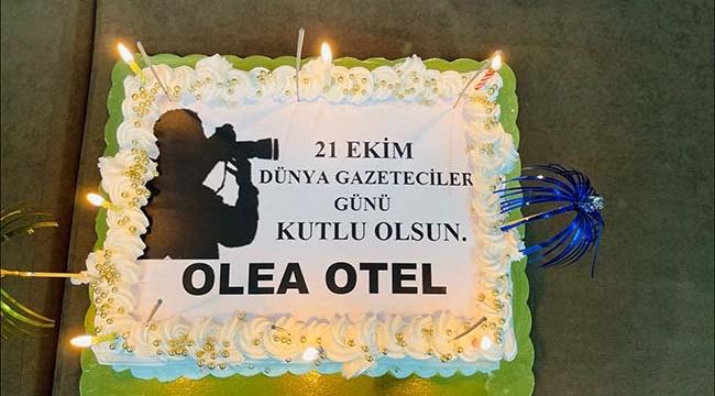 Hüseyin Aslan'dan Gazetecilere Kutlama